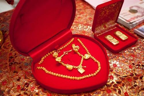 VZN News: Chi bộn tiền sắm sính lễ, người đàn ông sốc nặng khi biết bộ mặt thật vợ sắp cưới-1