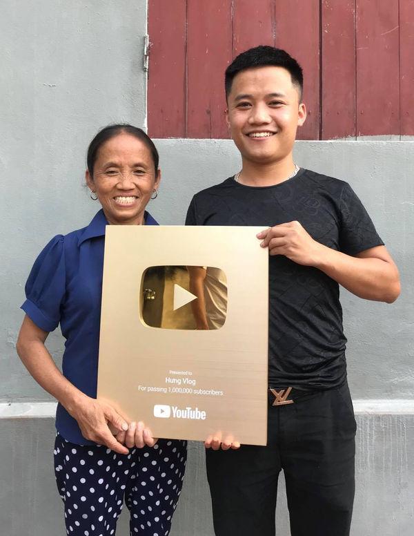 Bà Tân vê lốc có thể kiếm 400 triệu/tháng, hai con trai cũng là Youtuber thì sao?-4
