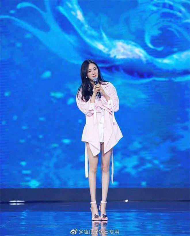 Angelababy và các mỹ nhân Hoa ngữ bị chê mặc xấu vì quá gầy-4