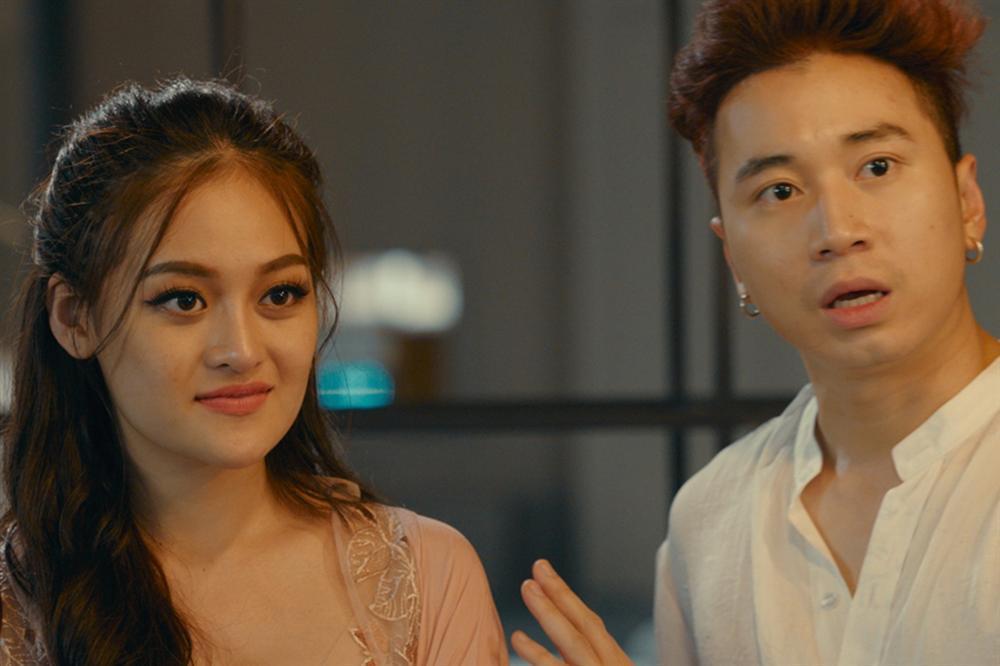 VZN News: Người lạ ơi: Karik diễn xuất nhạt nhẽo trong bộ phim nhảm nhí ăn theo Châu Tinh Trì-3
