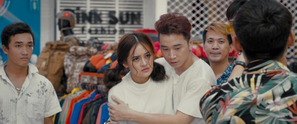 VZN News: Người lạ ơi: Karik diễn xuất nhạt nhẽo trong bộ phim nhảm nhí ăn theo Châu Tinh Trì-2