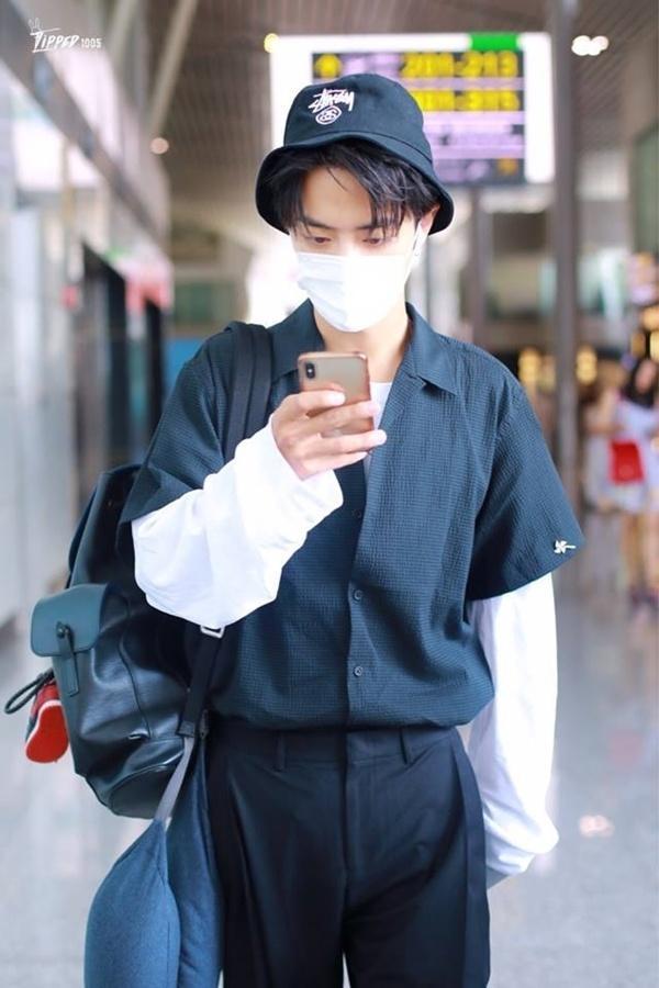 VZN News: Tiêu Chiến Trần Tình Lệnh khiến fan đổ rầm rầm vì style đẹp mê mẩn-6
