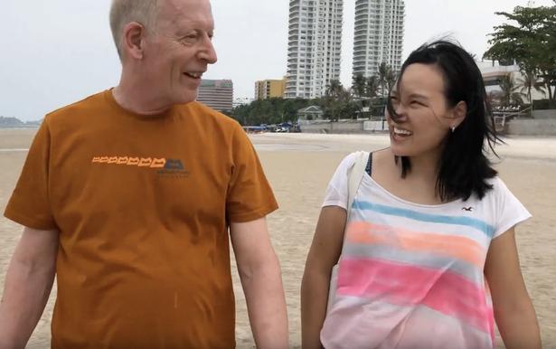 Lấy chồng 61 tuổi, cô gái trẻ tiết lộ đời sống tình dục viên mãn còn hơn nhiều cặp tình nhân trẻ-3