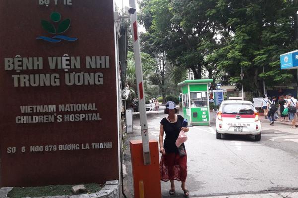 VZN News: Bé trai 3 tuổi ở Bắc Ninh bị bỏ quên 9 tiếng trên xe đưa đón-1