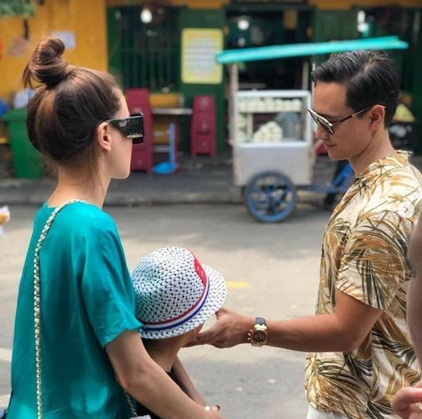 Kim Lý quá ngọt ngào khi biến sân bay thành thiên đường tình yêu với Hồ Ngọc Hà-11
