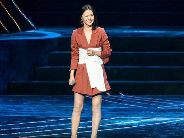 VZN News: Nữ ca sĩ Trung Quốc xin lỗi vì phá nát bản hit phim Tây du ký-3