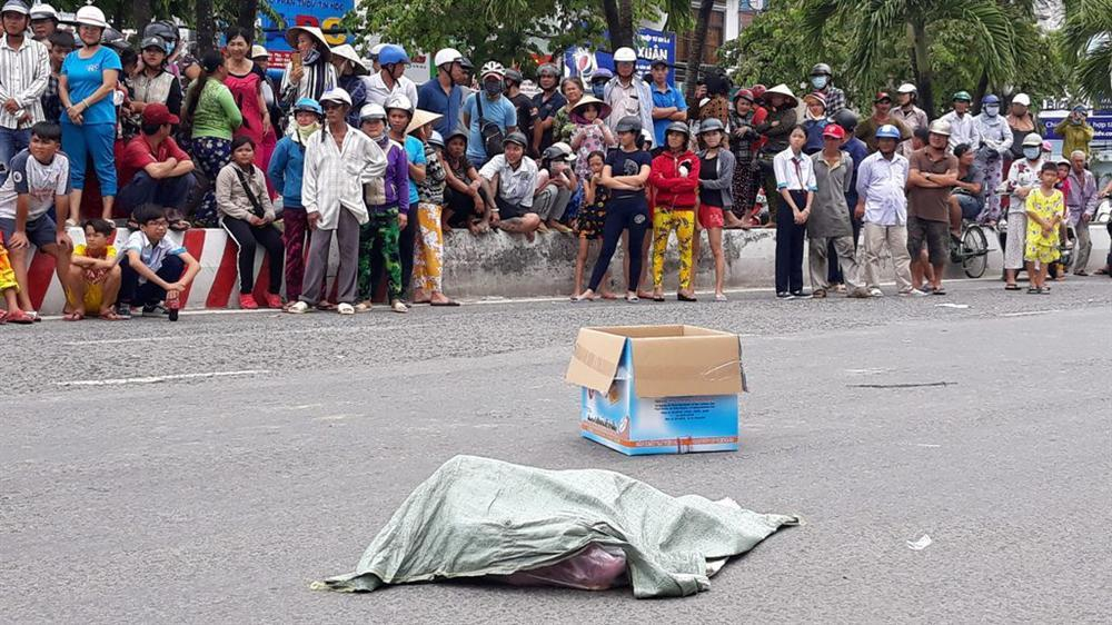 Bất ngờ về người phụ nữ đánh rơi túi nylon chứa 2 thi thể hài nhi giữa đường-2