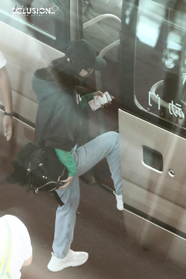 VZN News: Triệu Lệ Dĩnh và Vương Nhất Bác phải thở oxy trên trường quay vì kiệt sức-6