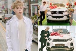 Đức Phúc 'bóp mồm bóp miệng' mua xe cho bố, fans cầu xin: 'Đừng giảm cân nữa anh ơi'