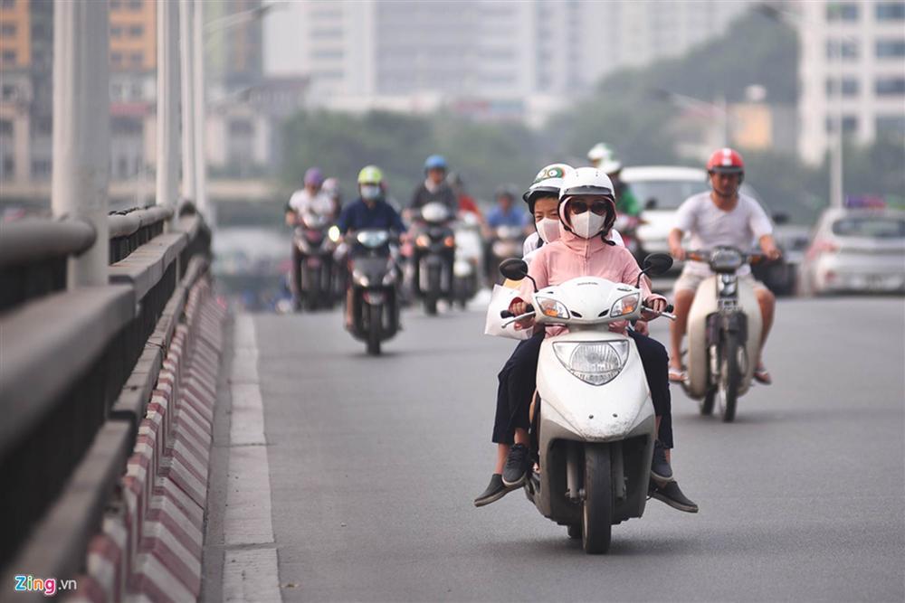 Hà Nội trong báo động đỏ về ô nhiễm không khí-16