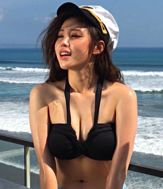 VZN News: Dispatch bình chọn loạt idol sở hữu body nóng bỏng nhất khi mặc bikini-15