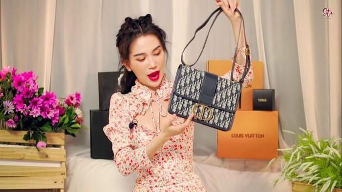 VZN News: Angela Phương Trinh và loạt sao vướng ồn ào sử dụng hàng nhái-1