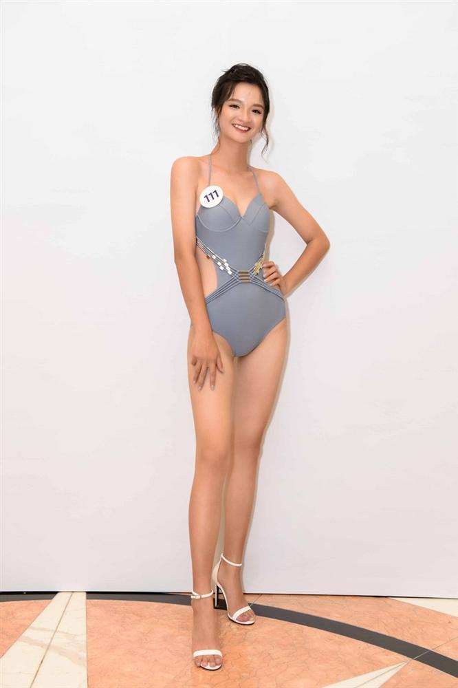 Tường Linh nổi bật với vòng eo 53 tại cuộc thi Hoa hậu Hoàn vũ Việt Nam 2019-14