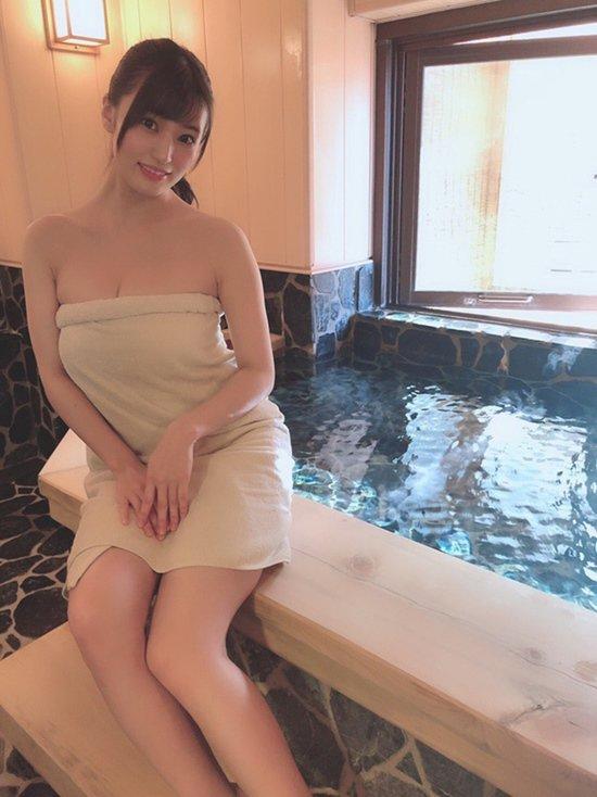 Cứu tinh của làng phim người lớn Nhật rủ fan tắm suối nước nóng, ngã giá đi đêm 70 triệu-9