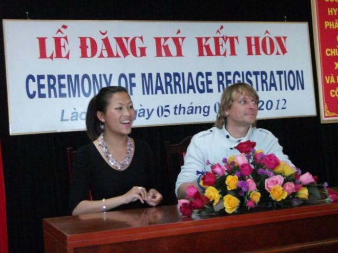 Cô bé HMông: Tôi may mắn lấy chồng Tây nhưng cũng nỗ lực rất nhiều-3