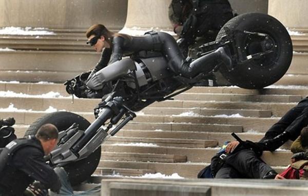 Những cái chết thảm dẫn đến lời nguyền về Batman-3