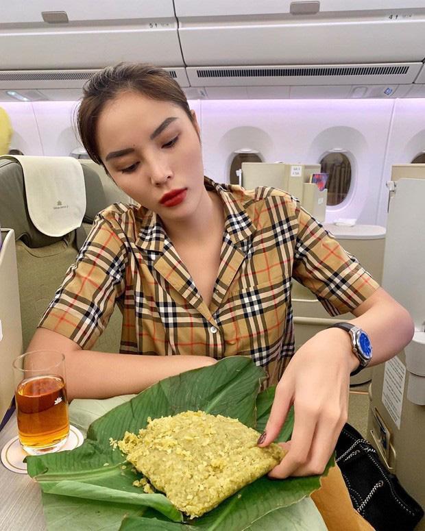 Kỳ Duyên khoe ăn đặc sản Hà Nội đúng bài, nhìn món ăn cư dân mạng thắc mắc một điều-1