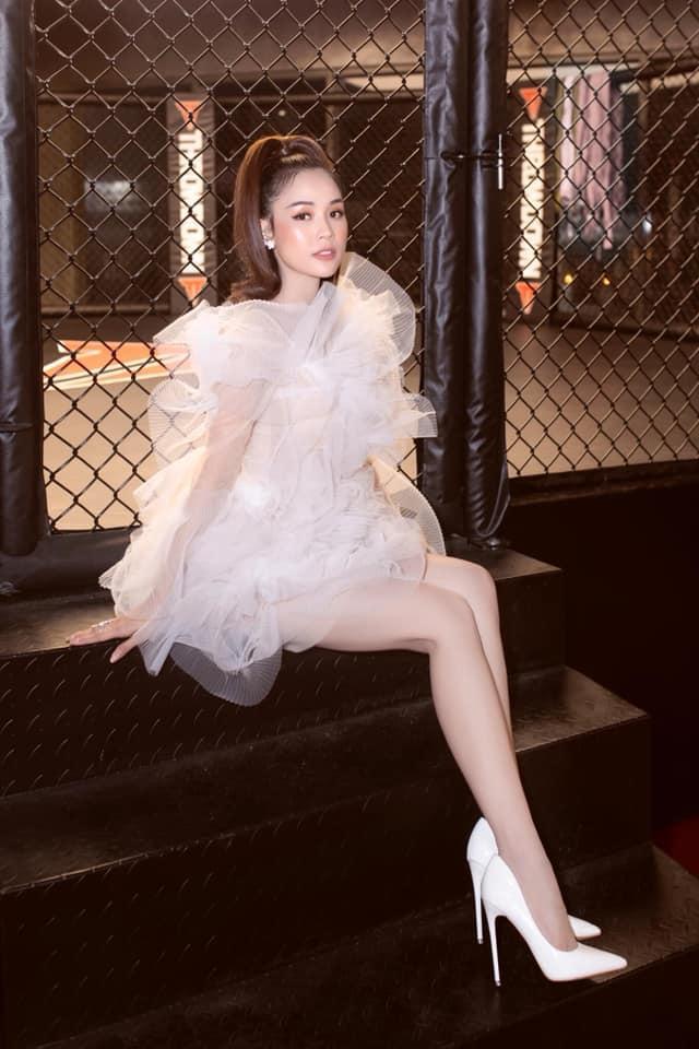Lại thêm 2 mỹ nhân đụng hàng váy bông tắm với Hương Giang, bất ngờ là Sam tỏa sáng vượt bậc-4