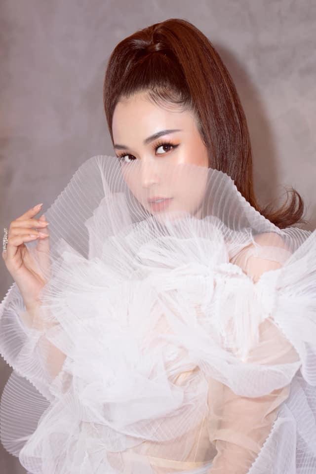 Lại thêm 2 mỹ nhân đụng hàng váy bông tắm với Hương Giang, bất ngờ là Sam tỏa sáng vượt bậc-3