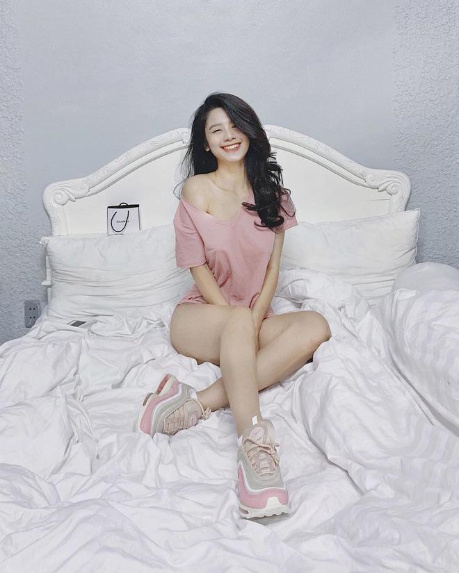 Hóa ra đằng sau những tấm ảnh sexy trên giường của hot girl Hàn Hằng là quang cảnh vừa bẩn vừa bừa thế này đây-4
