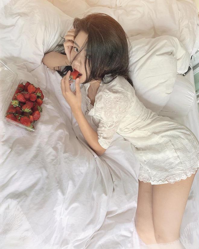 Hóa ra đằng sau những tấm ảnh sexy trên giường của hot girl Hàn Hằng là quang cảnh vừa bẩn vừa bừa thế này đây-5
