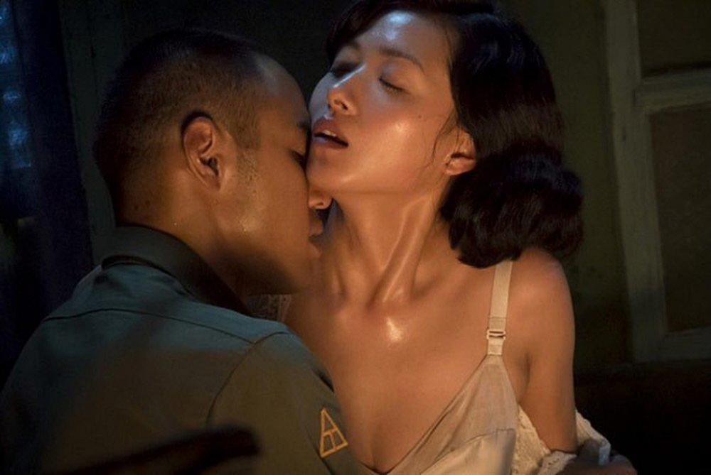4 bộ phim 18+ Hoa ngữ bị cấm chiếu vì ngập tràn cảnh nóng trần trụi-6