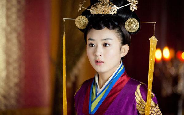 VZN News: Mỗi năm sở hữu một phim đại nữ chính, Triệu Lệ Dĩnh quả thật có tài chọn kịch bản-1