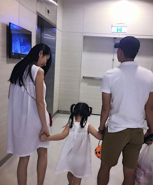 VZN News: Mắc mưu con gái, Thủy Tiên ngậm ngùi than: 6 tuổi làm vậy ai làm lại con-4