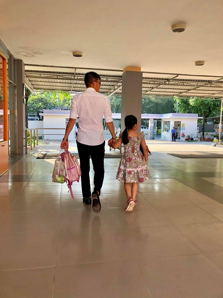 VZN News: Mắc mưu con gái, Thủy Tiên ngậm ngùi than: 6 tuổi làm vậy ai làm lại con-3