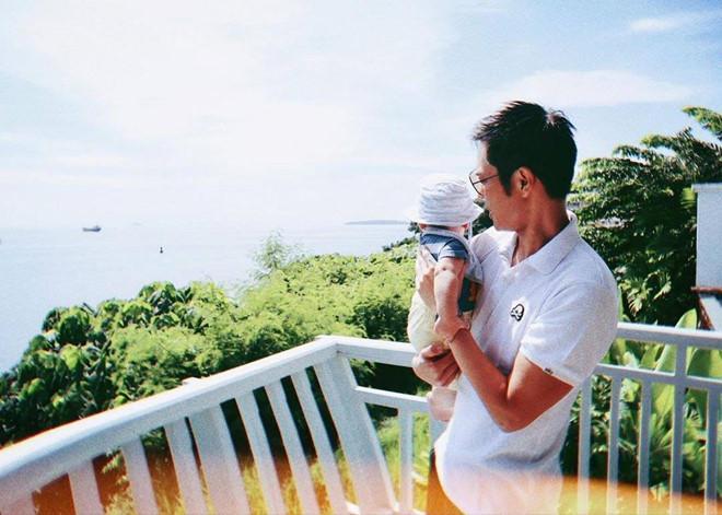 VZN News: Tài tử Bộ bộ kinh tâm hạnh phúc bên Hoa hậu Hong Kong kém 21 tuổi-2