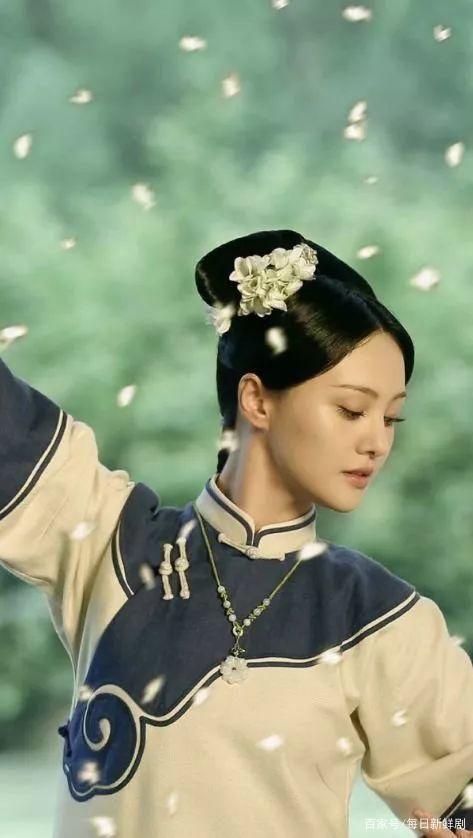 Tạo hình cổ trang của Trịnh Sảng, Dương Mịch cũng không thể thắng nổi Lưu Thi Thi-2