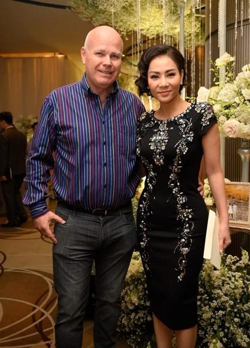 Ca sĩ Thu Minh lần đầu công khai ảnh cưới-3