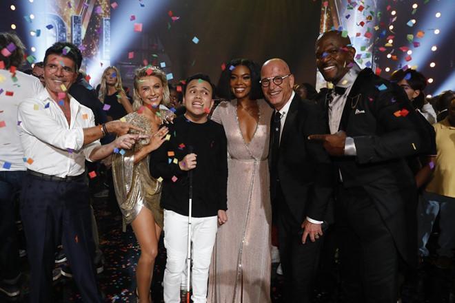 Chàng trai mù tự kỷ trở thành quán quân Americas Got Talent 2019-2