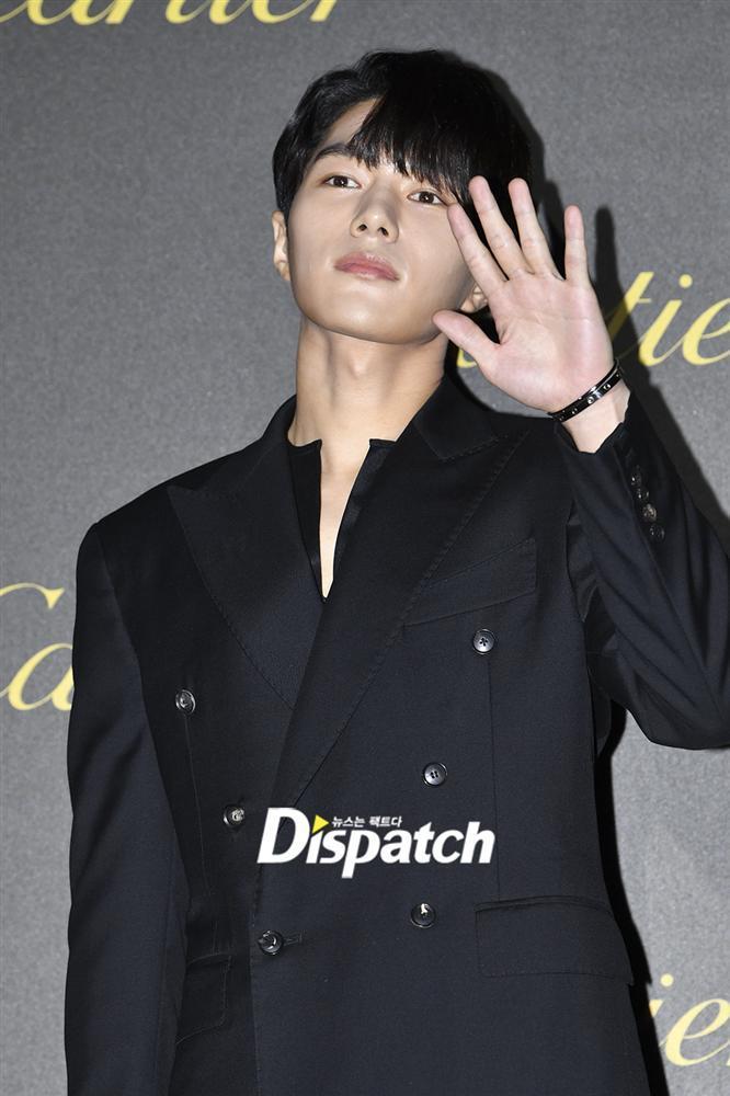 BLACKPINK Jisoo đẹp quyến rũ sau tin đồn hẹn hò, đọ sắc bên hồ ly Shin Min Ah-12