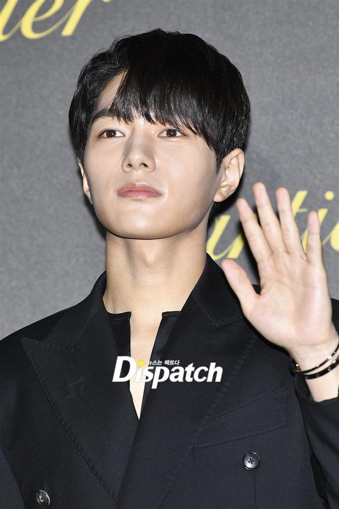 BLACKPINK Jisoo đẹp quyến rũ sau tin đồn hẹn hò, đọ sắc bên hồ ly Shin Min Ah-13