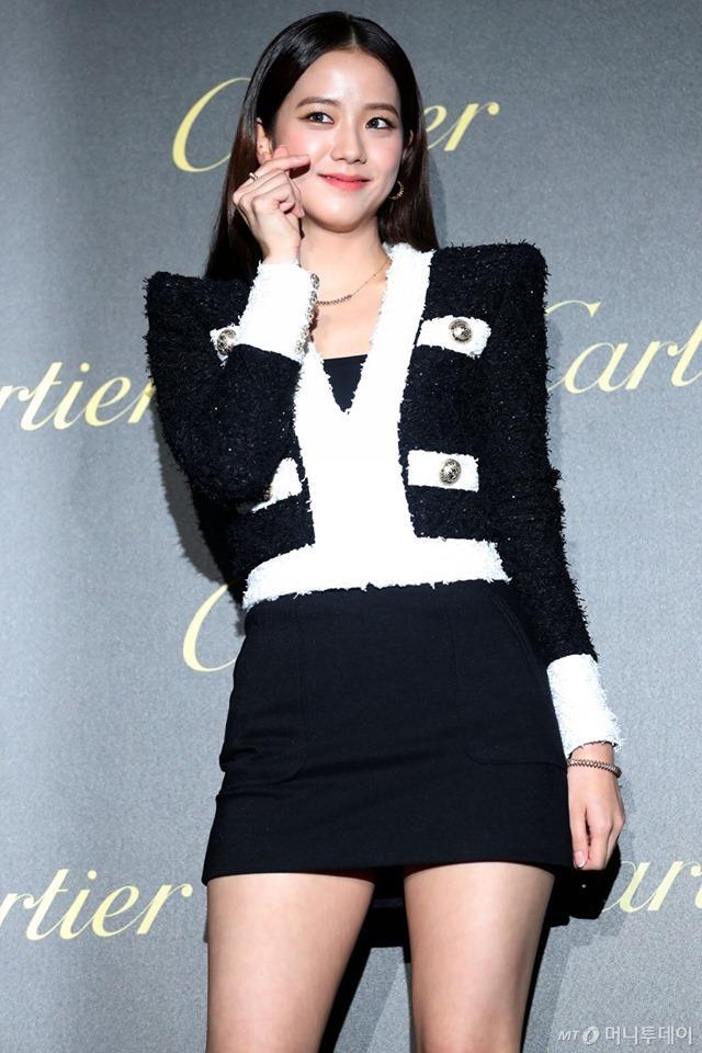 BLACKPINK Jisoo đẹp quyến rũ sau tin đồn hẹn hò, đọ sắc bên hồ ly Shin Min Ah-2
