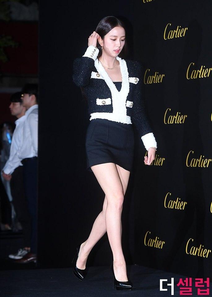 BLACKPINK Jisoo đẹp quyến rũ sau tin đồn hẹn hò, đọ sắc bên hồ ly Shin Min Ah-5