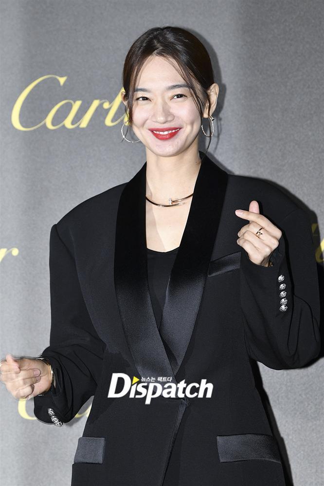 BLACKPINK Jisoo đẹp quyến rũ sau tin đồn hẹn hò, đọ sắc bên hồ ly Shin Min Ah-8