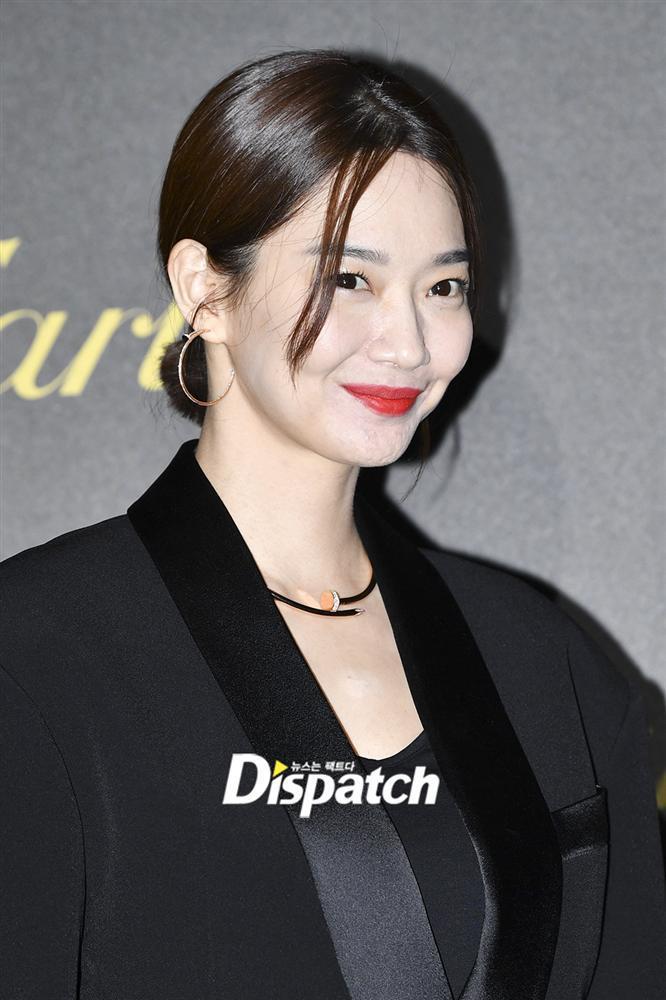 BLACKPINK Jisoo đẹp quyến rũ sau tin đồn hẹn hò, đọ sắc bên hồ ly Shin Min Ah-9