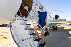 Vì quá giàu và không muốn bay với… thường dân, các ngôi sao đã chi chục triệu đô sắm máy bay riêng!