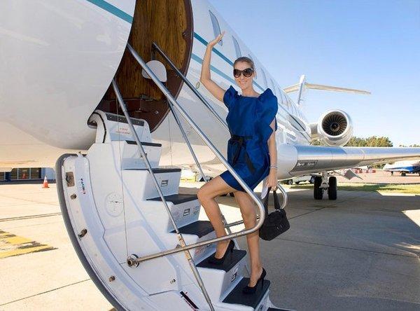 Vì quá giàu và không muốn bay với… thường dân, các ngôi sao đã chi chục triệu đô sắm máy bay riêng!-2