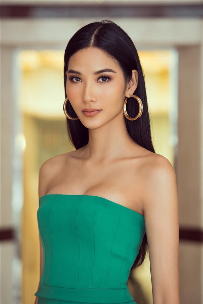 Đặt mục tiêu đăng quang Miss Universe 2019 nhưng Hoàng Thùy lại trượt top 15 nhan sắc tiềm năng-2