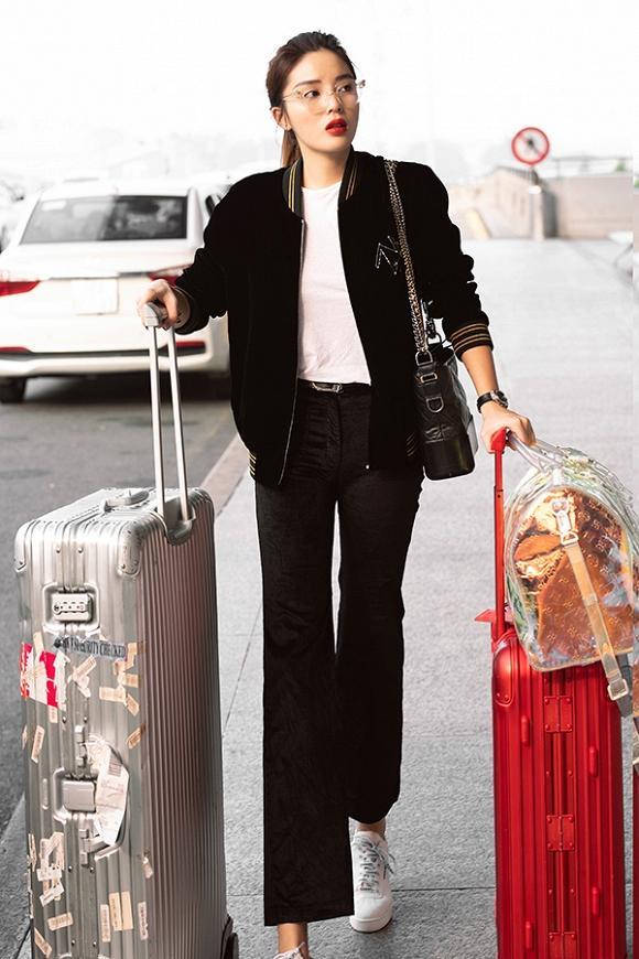 Kỳ Duyên khoe thời trang sân bay sương sương nửa tỷ - Văn Mai Hương bị chê già như thím vì set đồ hoa-1