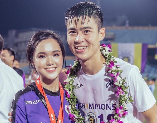 Điểm tên cầu thủ Việt chăm chỉ thể hiện tình cảm với vợ và bạn gái-1