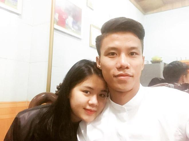 Điểm tên cầu thủ Việt chăm chỉ thể hiện tình cảm với vợ và bạn gái-12