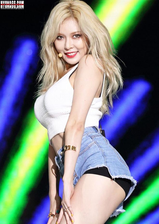 HyunA và những lần bị ném đá vì diện đồ phản cảm trên sân khấu-6