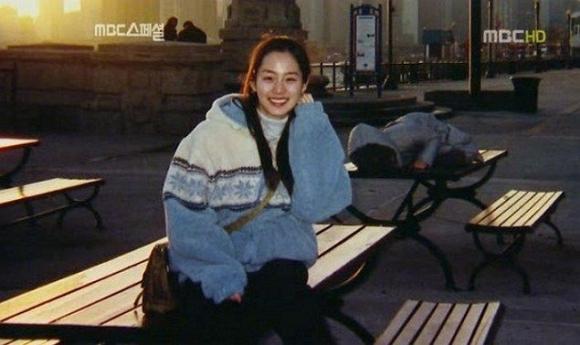 Fan choáng với nhan sắc mặt mộc của Kim Tae Hee thời đại học, bất chấp mọi camera sống ảo-2