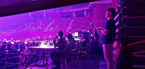 Buổi họp fan của Black Pink bị chê cười vì nhiều ghế trống-3