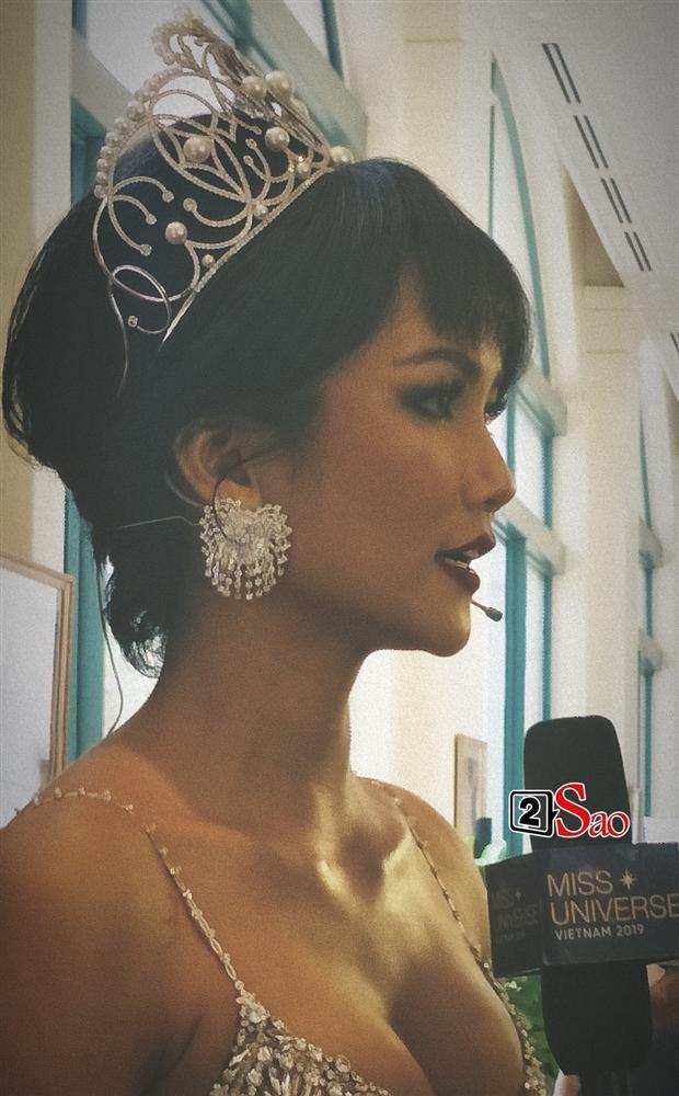 Hoa hậu HHen Niê đẹp cỡ nào trong hình ảnh chụp lén không qua chỉnh sửa?-6