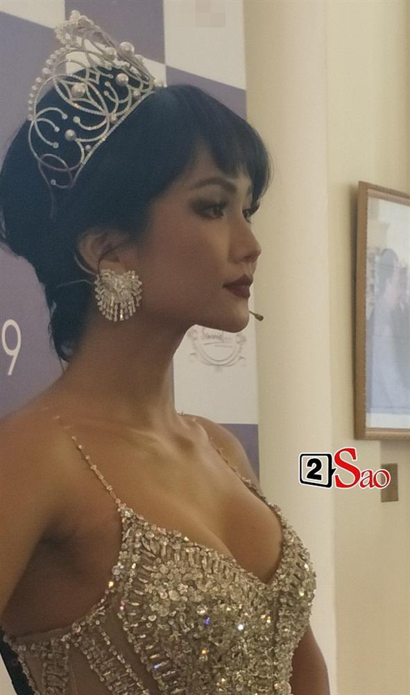 Hoa hậu HHen Niê đẹp cỡ nào trong hình ảnh chụp lén không qua chỉnh sửa?-5